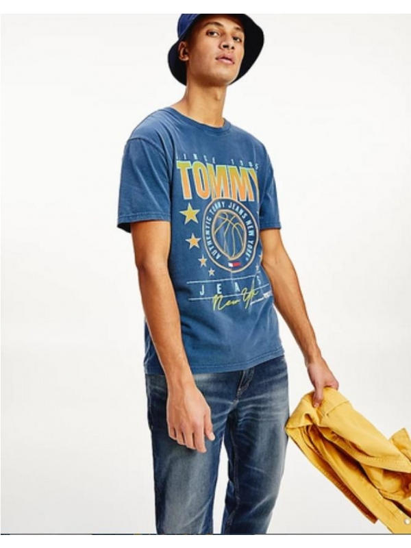 Camiseta TOMMY JEANS...